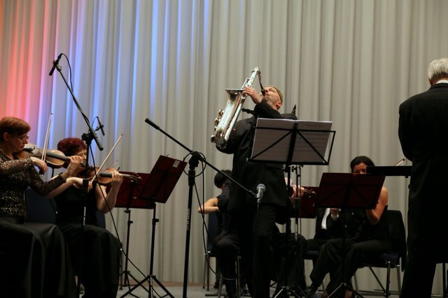 Staroniewicz z Polską Filharmonią Kameralną Sopot Wojciecha RajskiegoStaroniewicz with Polish Chamber Fhilharmonic Orchesrtra Sopot